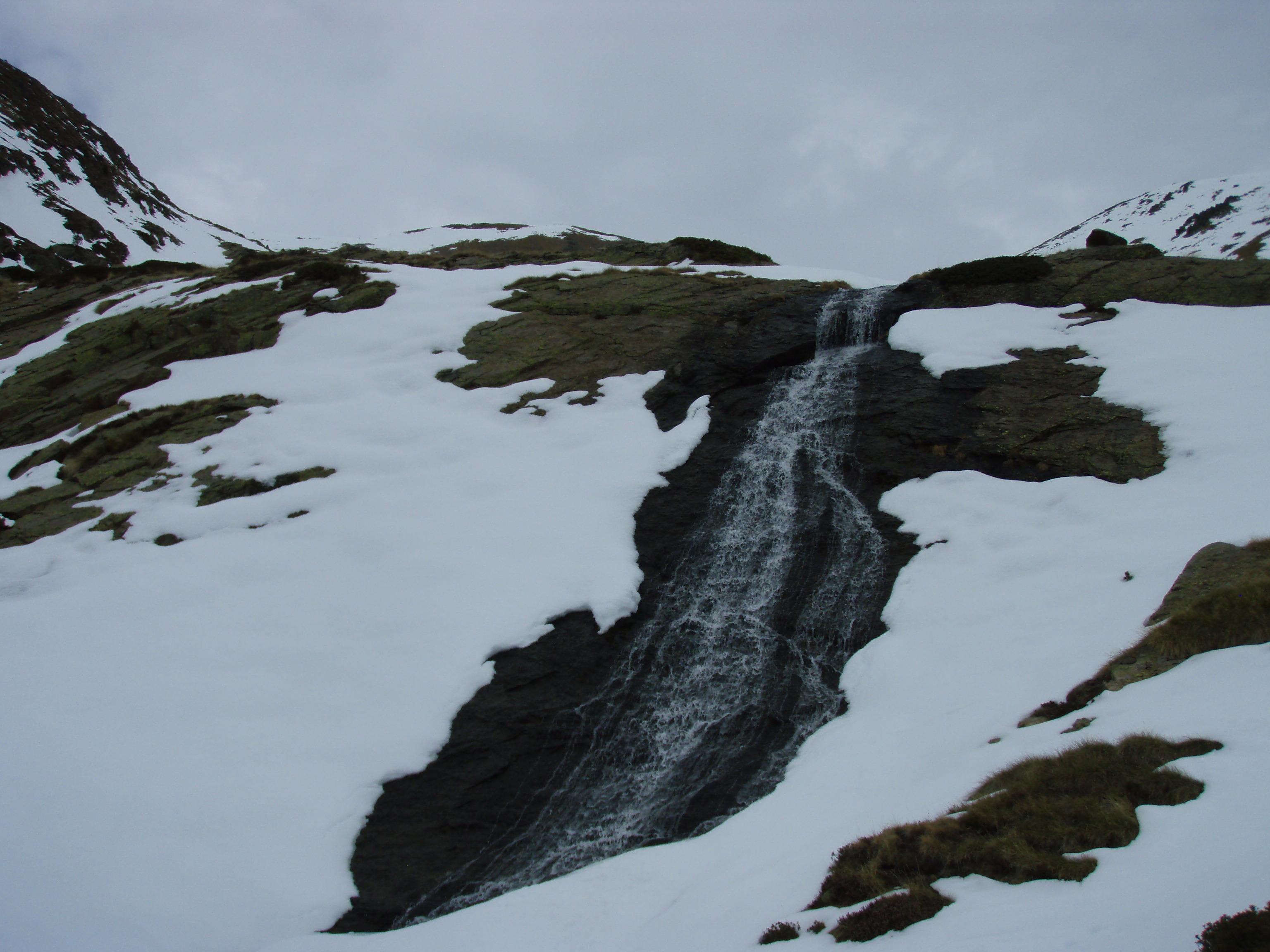 Cascada per la zona de Coms de Jan (Vall de Ransol) - Andrea Sinfreu