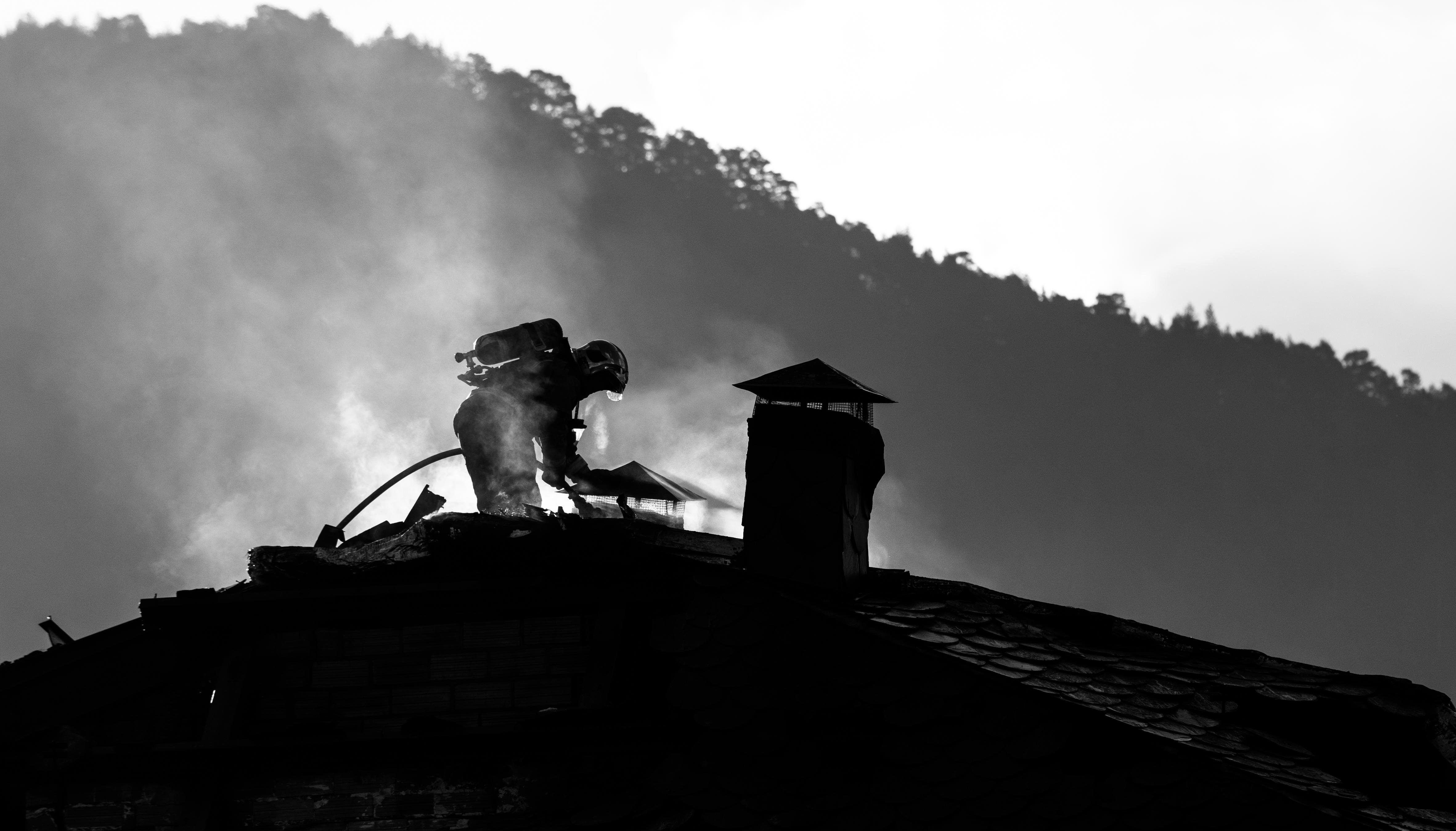 Incendi a l'edifici Tiffany's a la Massana - Alfons Teruel