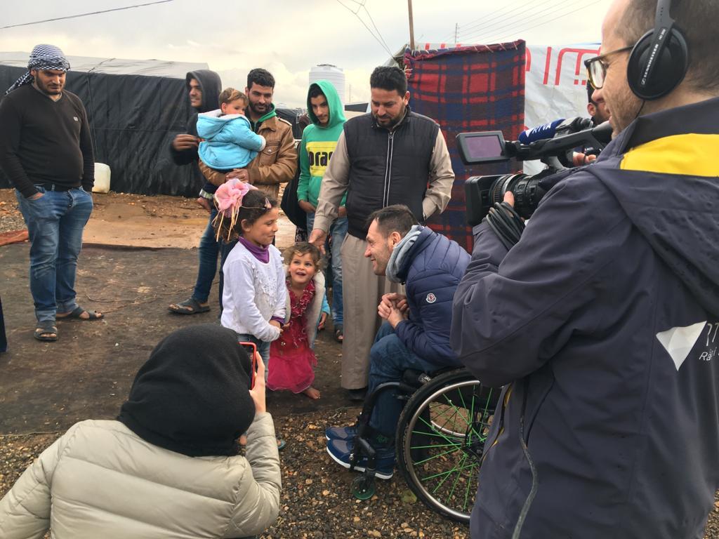 La tasca d'Unicef Andorra i Albert Llovera a camps de refugiats sirians a Jordània en un documental d'RTVA