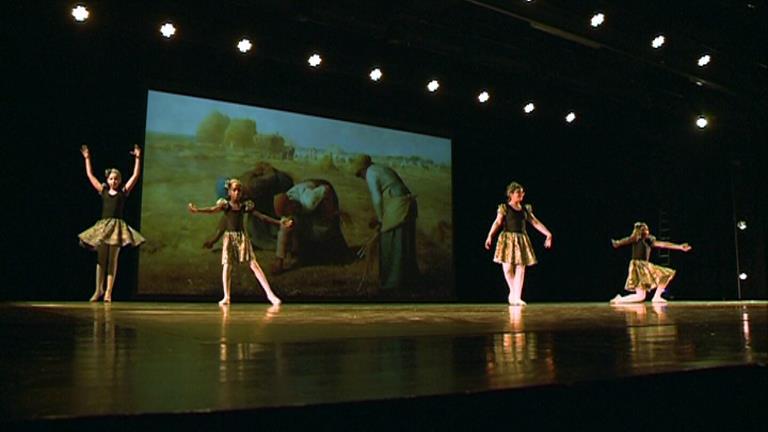 Els alumnes de dansa de l'escolade teatre i dansa d&#39