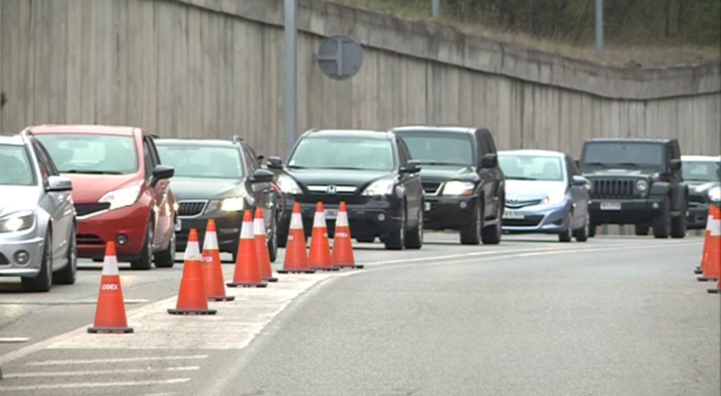 Un 10% menys d'entrades de vehicles per la frontera francesa a l'abril a causa del tancament de la RN-22