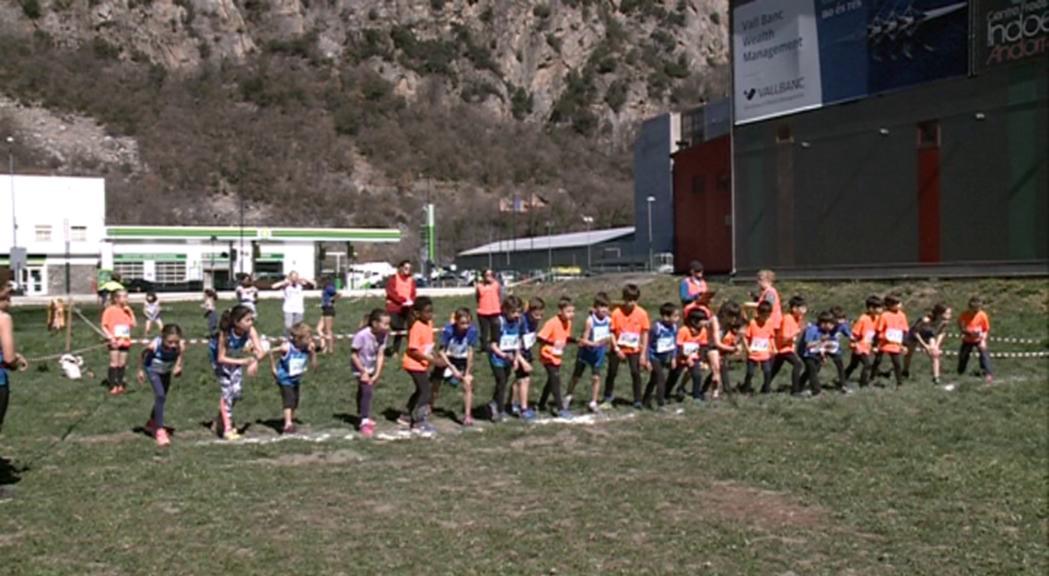 Uns 200 corredors han participat en el Cros internacional de les Valls