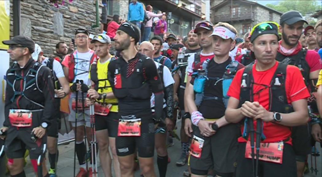 450 participants prenen la sortida de la Ronda dels Cims