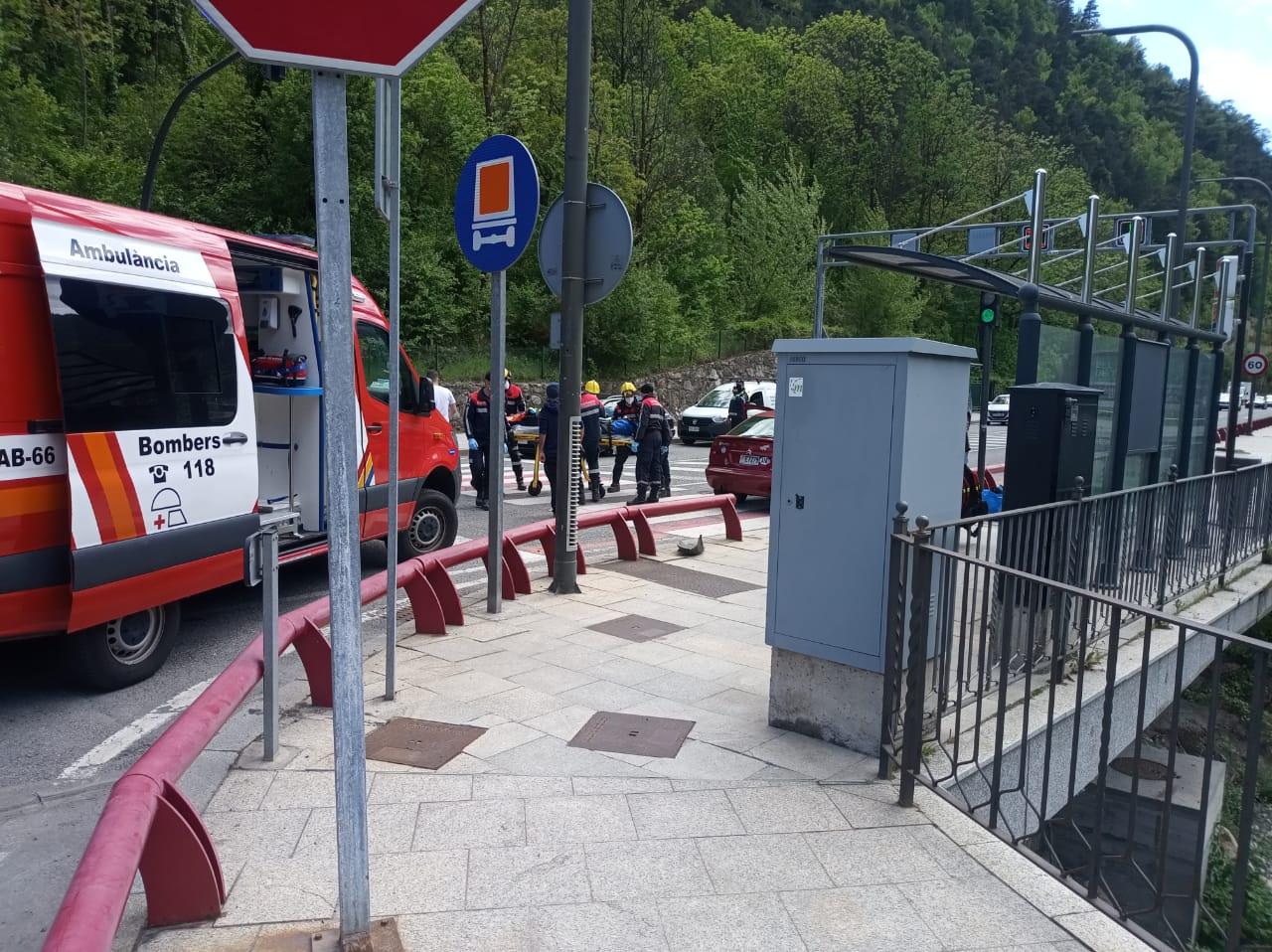 Accident amb dos vehicles implicats al pont de la Palanca