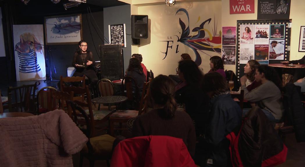 Acció Feminista obre un debat informal sobre el paper de la dona en l'art