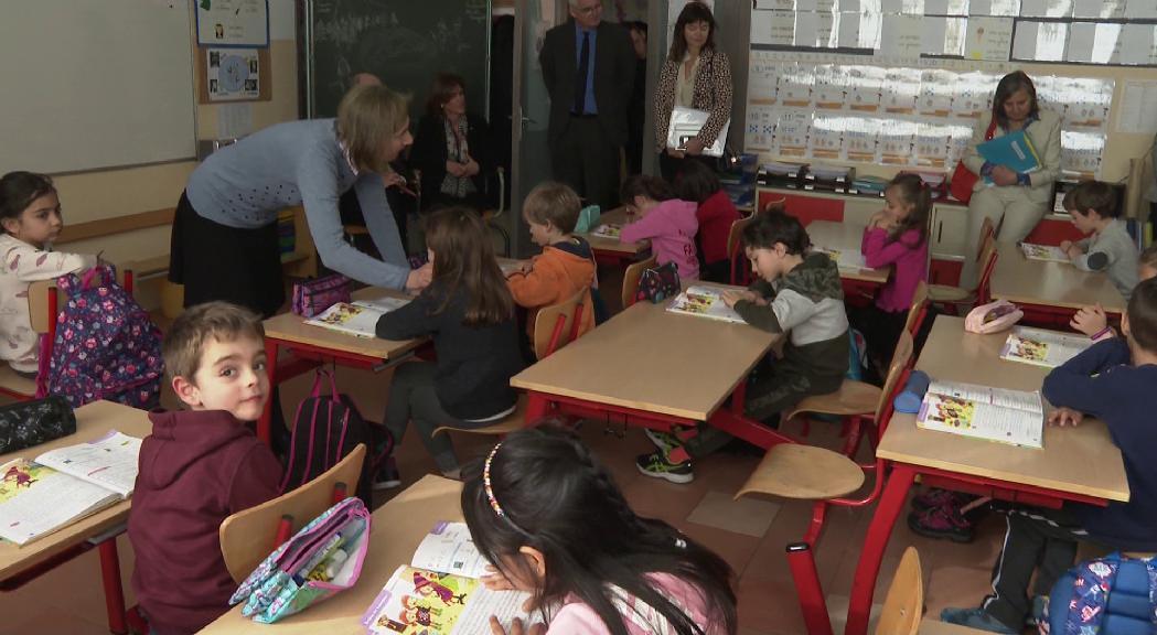 Acord entre els professors francesos i el ministre Blanquer pel seguiment dels compromisos anunciats