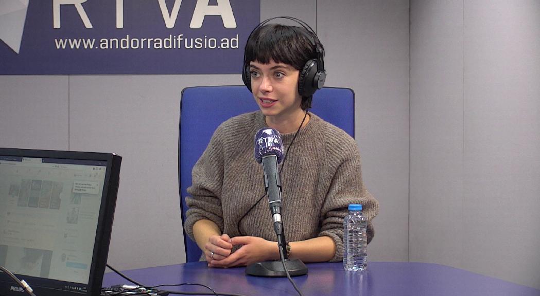 L'actriu Clàudia Riera presenta el seu primer llargmetratge, L'ofrena