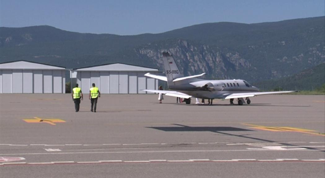 L'aeroport d'Andorra-la Seu manté només l'activitat de guàrdia del servei medicalitzat