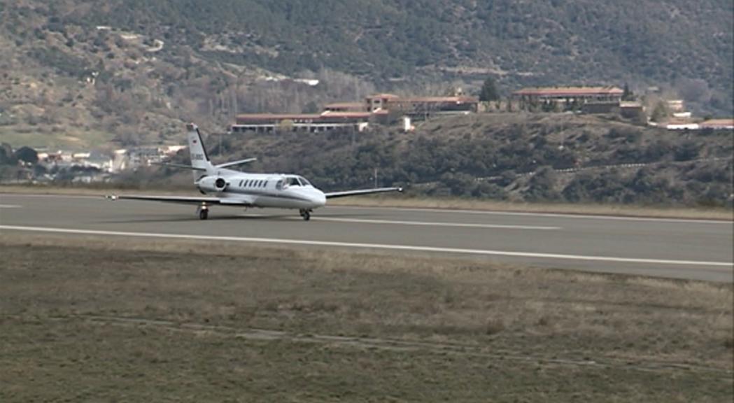 L'aeroport nacional costaria entre 500 i 700 milions d'euros