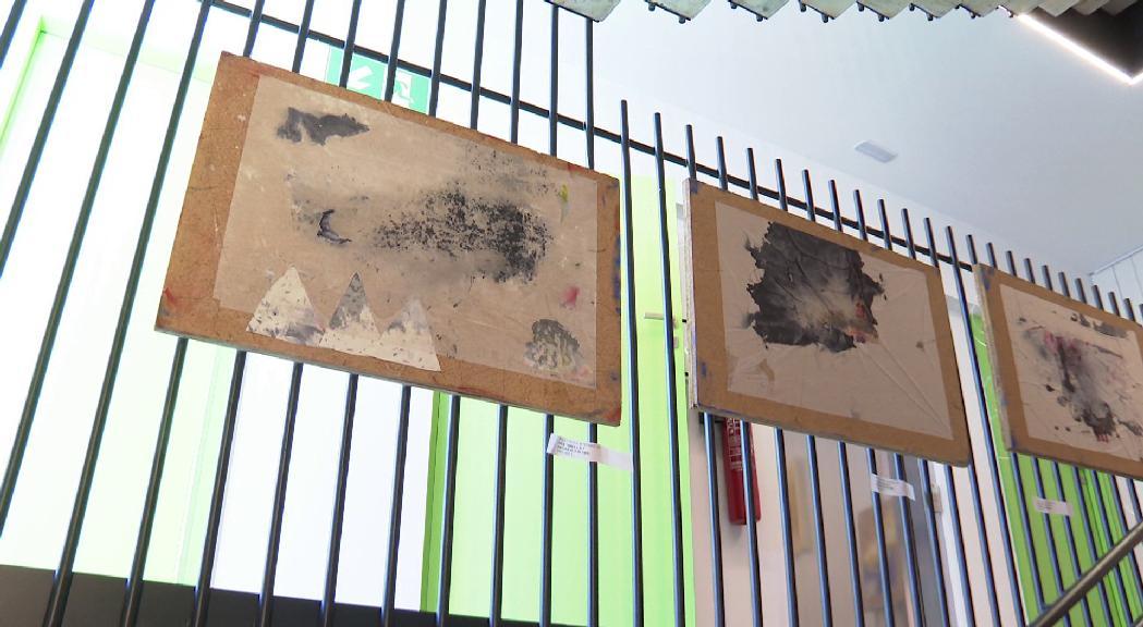 Alfons Valdés exposa '4 Replans', una trajectòria vital marcada per un record d'infantesa