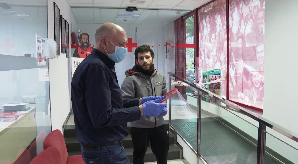 Andorra Makers reparteix 80 noves pantalles protectores a personal del SAAS i residències de gent gran