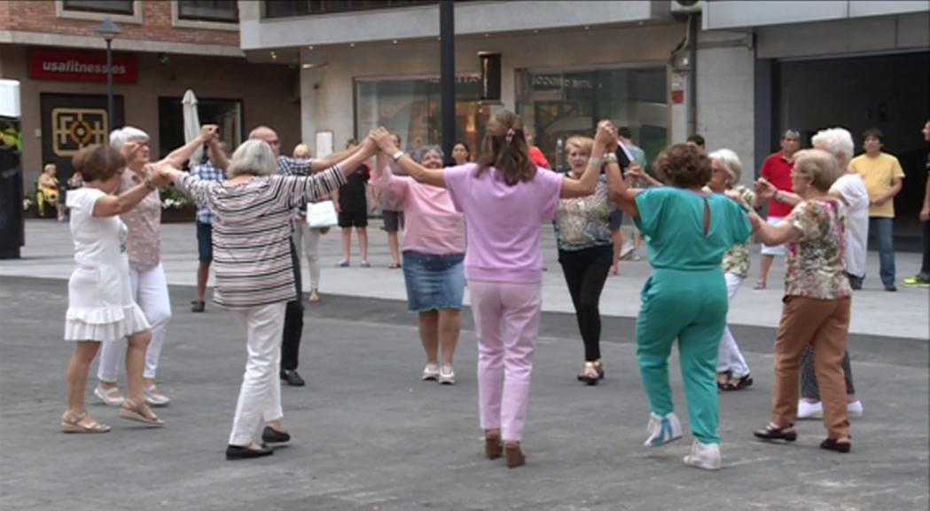 Andorra la Vella clou la temporada d'estiu de sardanes amb bona participació