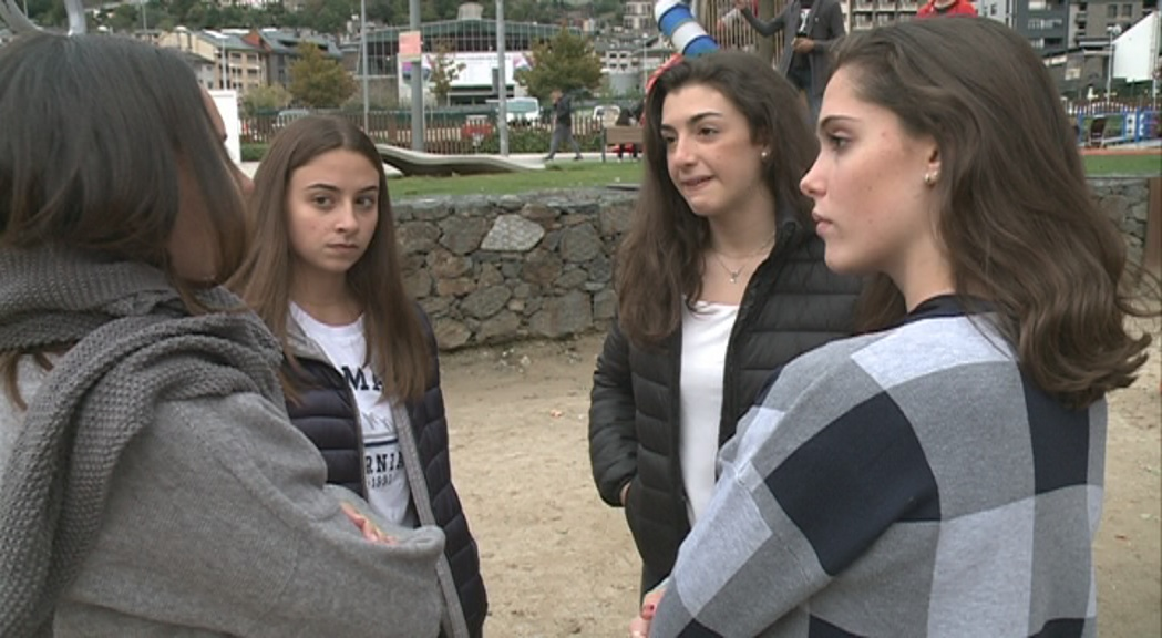 Andrea Ramos, Jèssica Pereira i Judith Flinch canvien la gimnàstica pels estudis