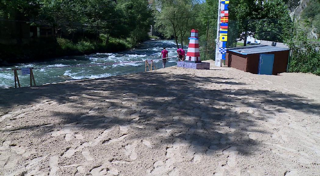 Apapma alerta de la perillositat de la platja fluvial de Sant Julià