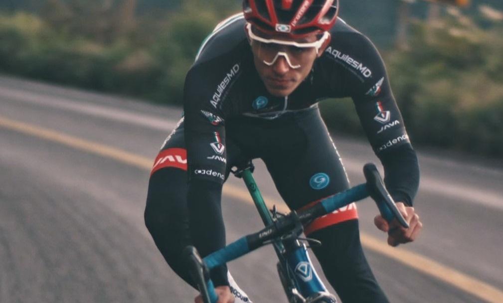 L'arribada al país de l'equip Efideporte de BTT obre nous horitzons als joves ciclistes