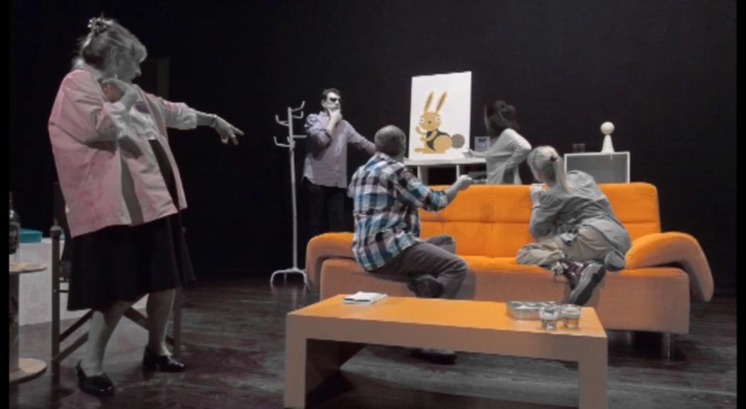 """Assaig.9 estrena """"Els bonobos"""" per parlar de complexos i prejudicis en l'amor"""