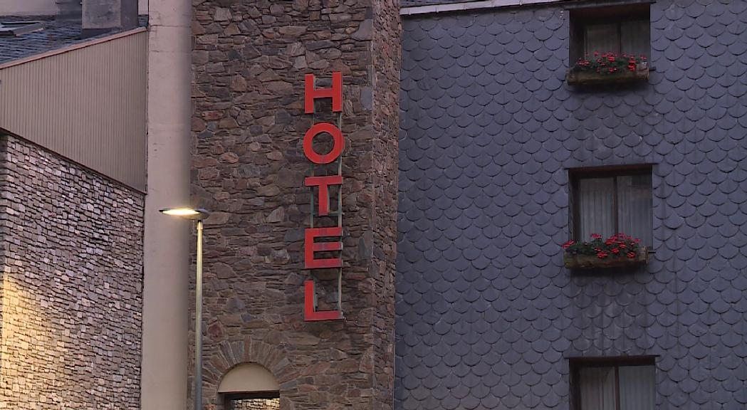 Baixa un 6% l'ocupació hotelera a l'octubre