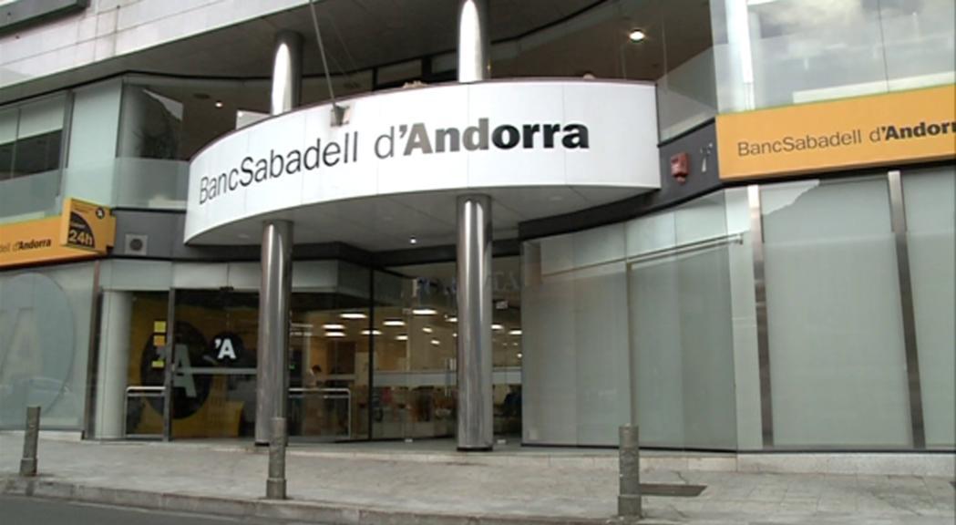 Banc Sabadell negocia la venda de la branca andorrana a MoraBanc