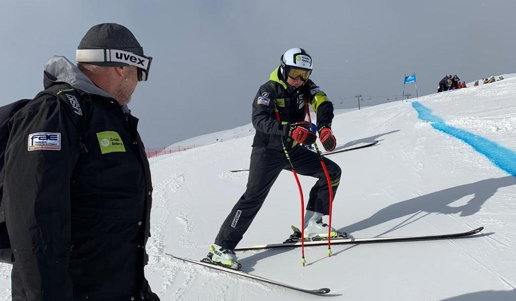 Cande Moreno ja es troba a St. Mortitz. L'esquiadora est&agra