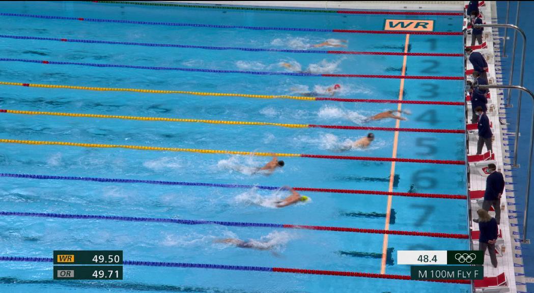 Caleb Dressel es penja la tercera medalla d'or amb rècord del món inclòs