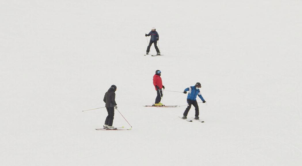 Carles Naudi alerta de la difícil situació de les estacions d'esquí i proposa canviar la llei de finances comunals perquè optin a fons addicionals