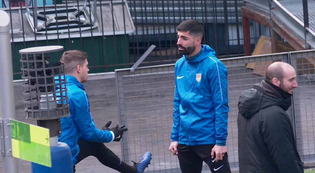 Carlitos ja entrena amb l'FC Andorra i diumenge podria ser la novetat a Badalona
