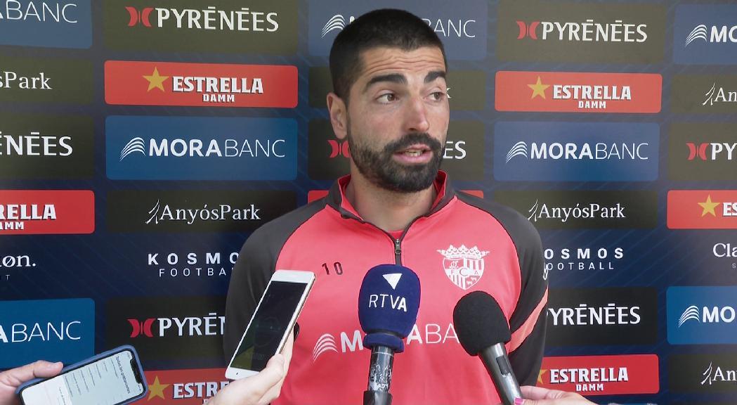 """Carlos Martínez: """"A la mitja part l'àrbitre em va confirmar que el gol anul·lat era legal"""""""