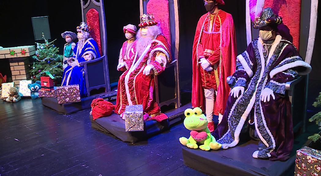 Centenars de nens reben els Reis a Escaldes-Engordany