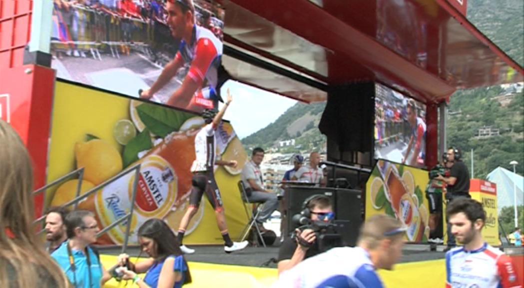 Els ciclistes llatinoamericans, favorits en una Vuelta amb sorpreses a l'equip Ineos