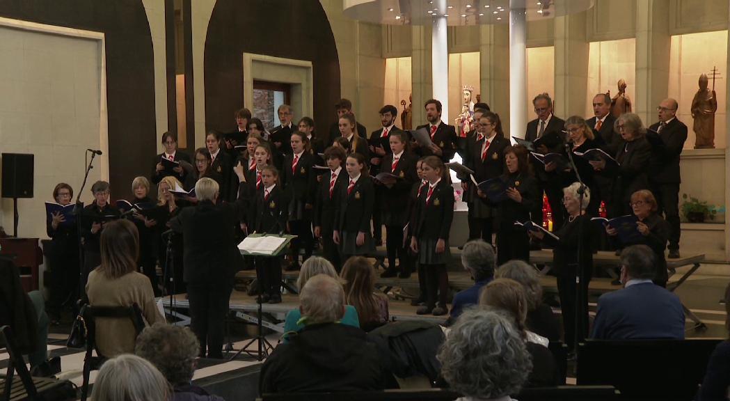 El claustre del Santuari de Meritxell acull el primer concert del Cor dels Petits Cantors després de més d'un any