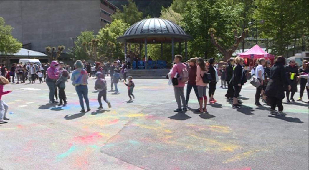 Colors i música omplen el Prat Gran d'Encamp amb la quarta Holy Party