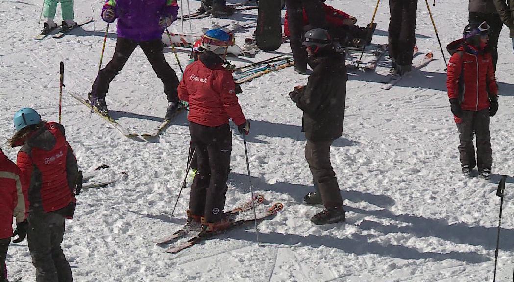 Comencen a arribar els treballadors de temporada contactats per les pistes d'esquí, un volum total inferior a causa de la Covid-19