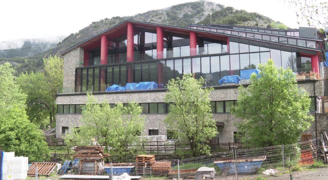 El comú d'Ordino preveu tenir enllestit l'edifici annex al centre esportiu i l'ampliació dels vestidors aquest desembre