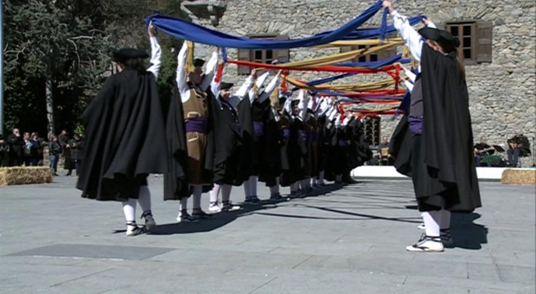 Dansa i música tradicional per commemorar els 600 anys del Consell de la Terra