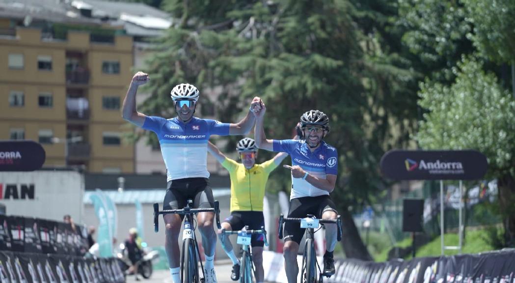 David Fernández i la francesa Stephanie Gros s'enduen la primera Andorra 21 Ports