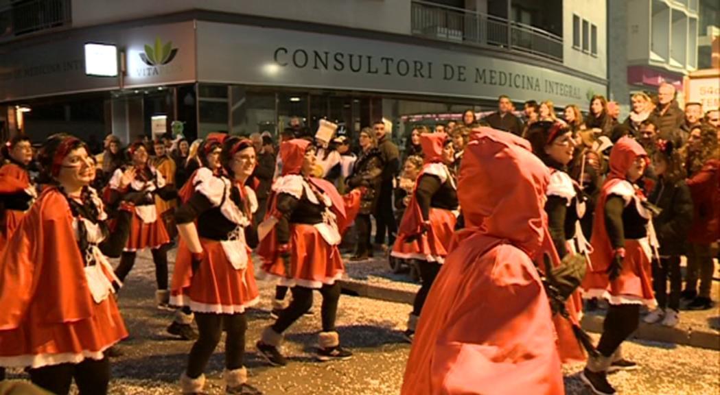 Una desena de comparses i carrosses a la desfilada de Sant Julià de Lòria