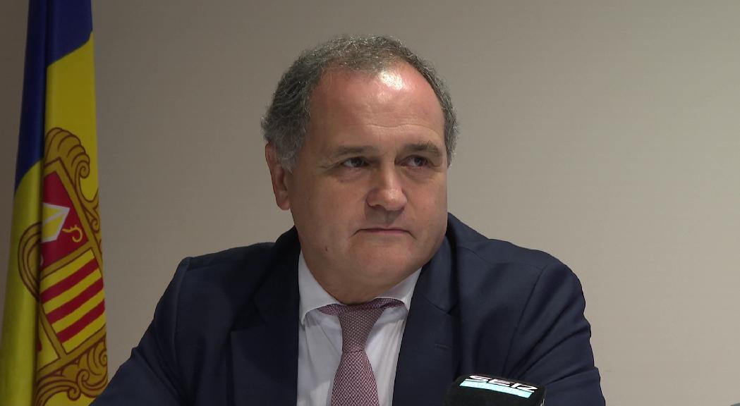 El diputat socialista portuguès Paulo Pisco fa campanya a Andorra