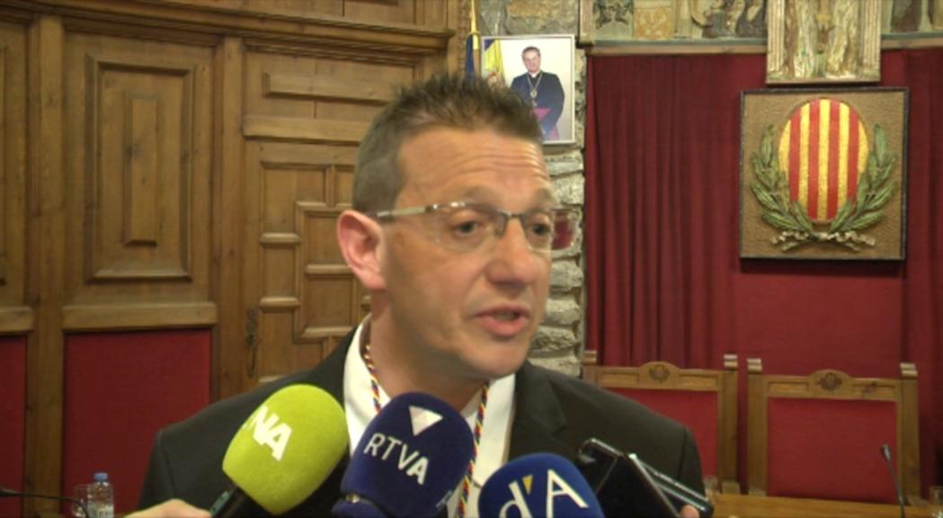 Donsión jura com a nou conseller i assegura que no hi ha desavinences entre la majoria laurediana