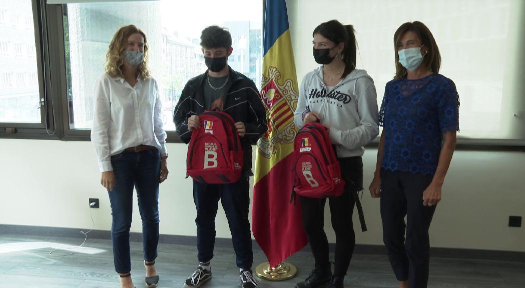 Dos joves del Fòrum Nacional de la Joventut al Youth4Climate de Milà