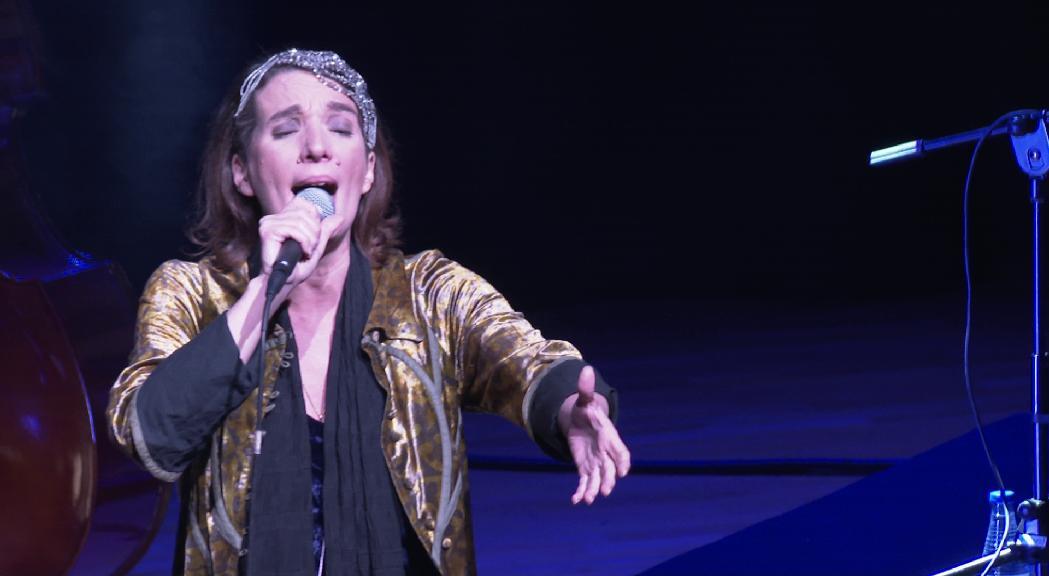 Dulce Pontes sorprèn el públic en la seva nova etapa musical