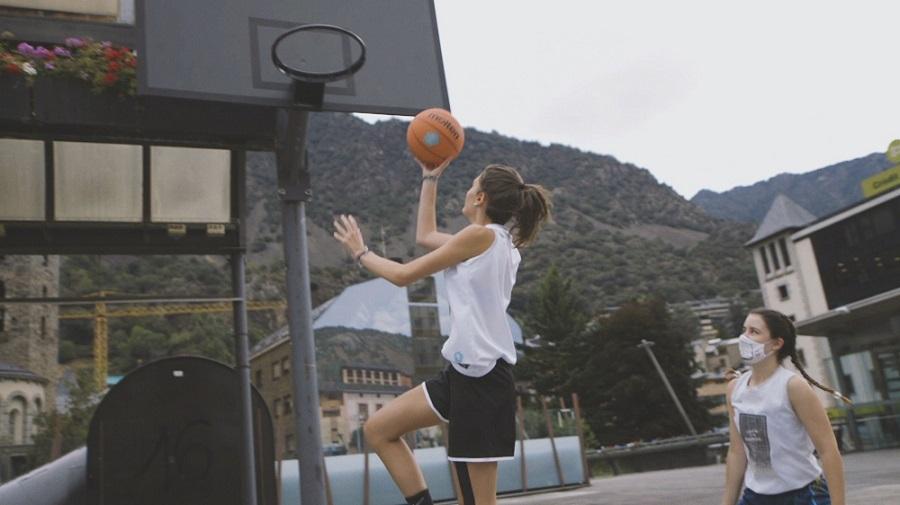 """""""Encistella els estereotips"""", lema de la tercera campanya de la Federació de Bàsquet per impulsar el bàsquet femení"""