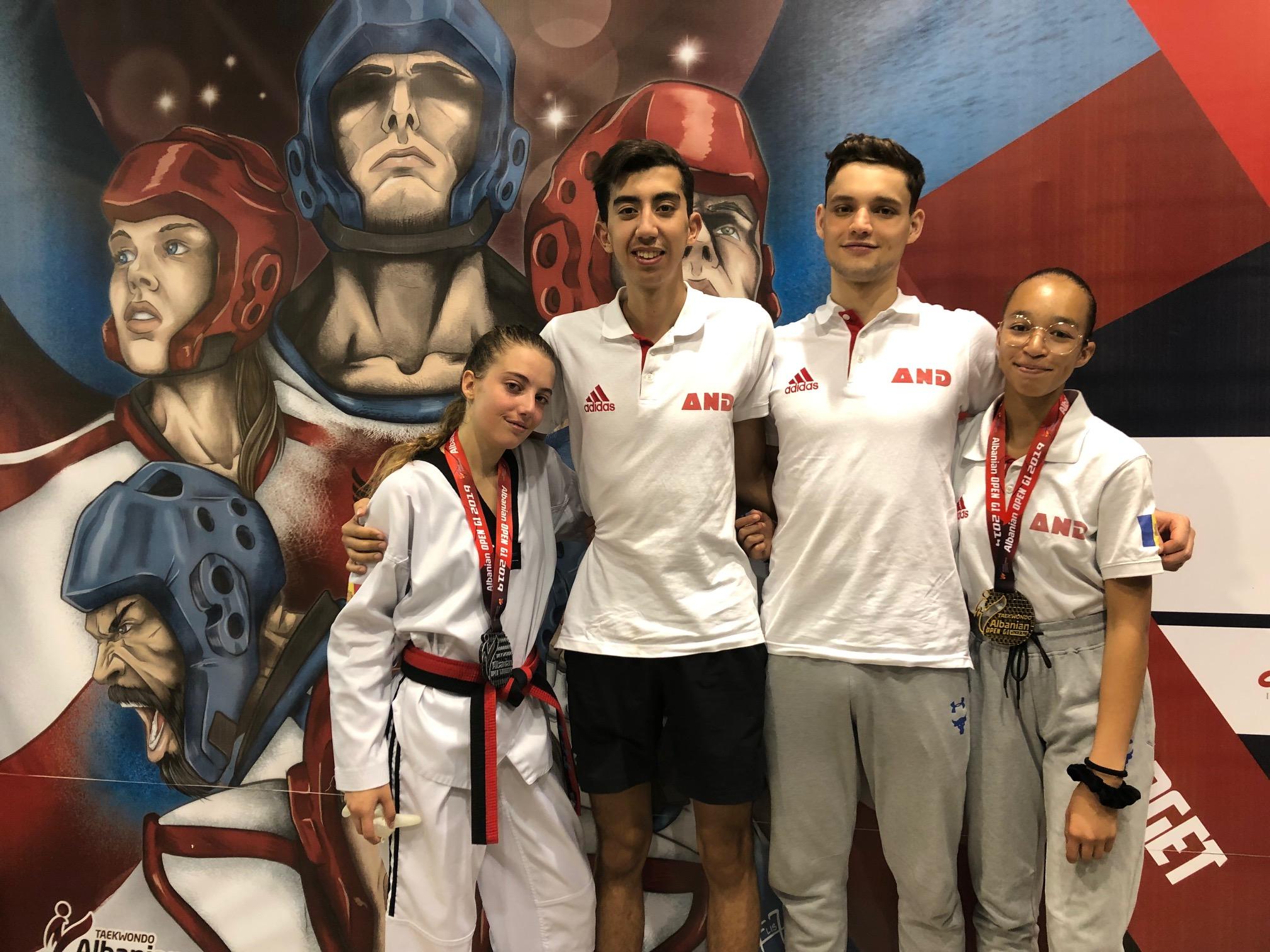 Ensurt per a l'equip de la Federació de Taekwondo a Tirana