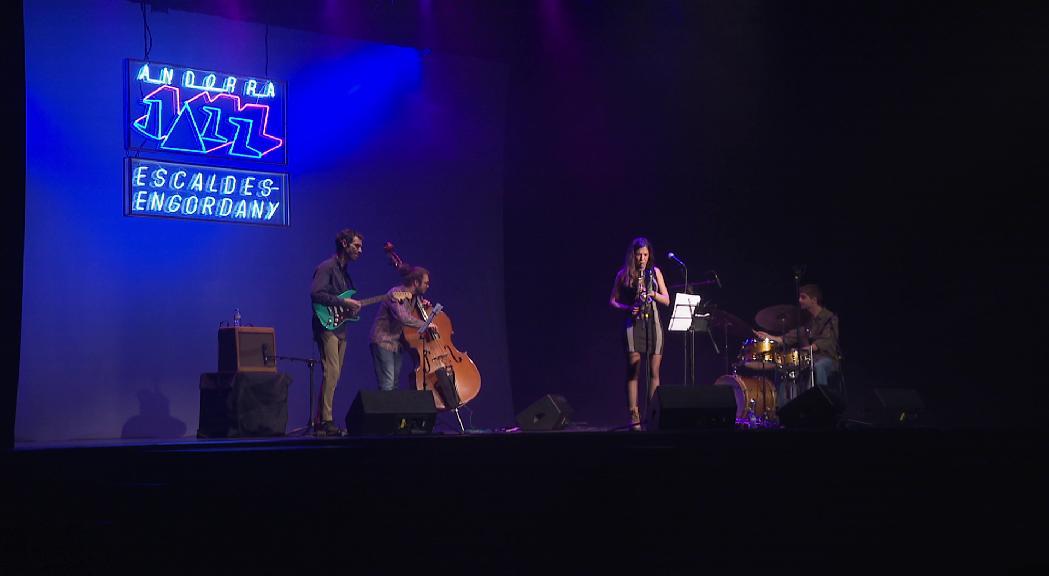 Eva Fernández presenta el seu primer treball amb un jazz renovat i fresc al Colors de Música