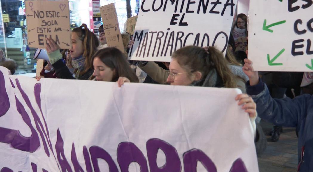 """Feministes suïsses donen suport a Stop Violències i demanen al Govern que """"n""""aturi la criminalització"""""""""""
