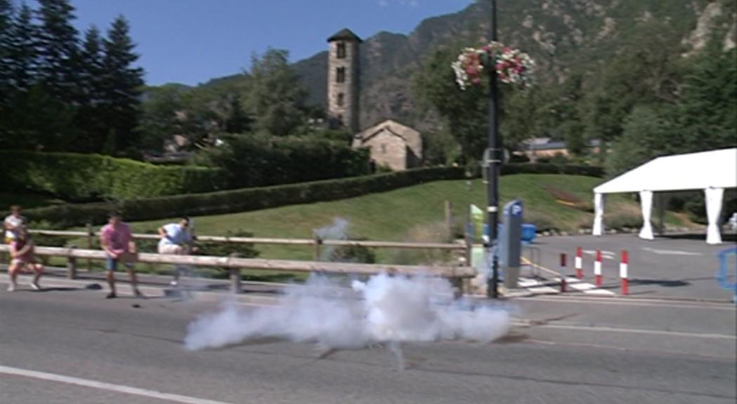 La festa major de Santa Coloma comença amb una traca quilomètrica
