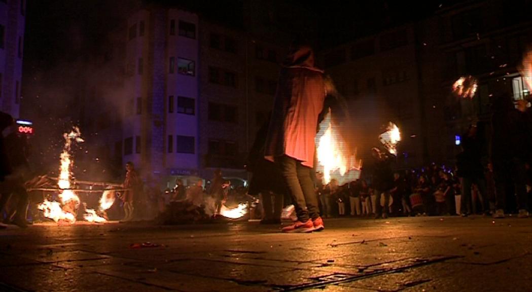 El foc, protagonista a totes les parròquies la revetlla de Sant Joan
