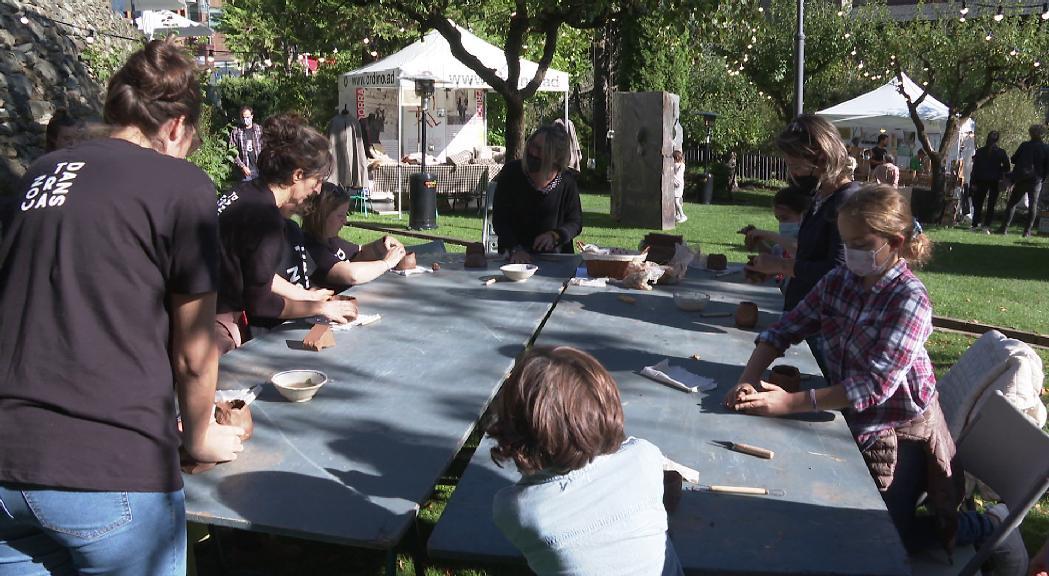 Força afluència de visitants al festival Contradans, que podria tenir una segona edició
