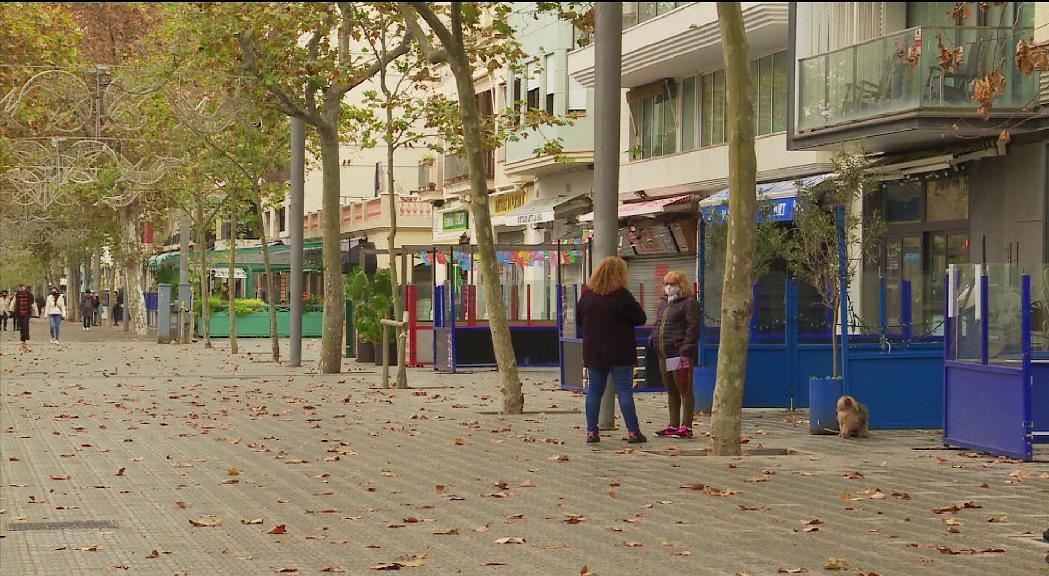 França amplia les hores del toc de queda a 15 departaments i Catalunya podria endurir les mesures dilluns