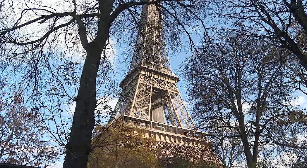 França descarta un confinament generalitzat tot i l'em