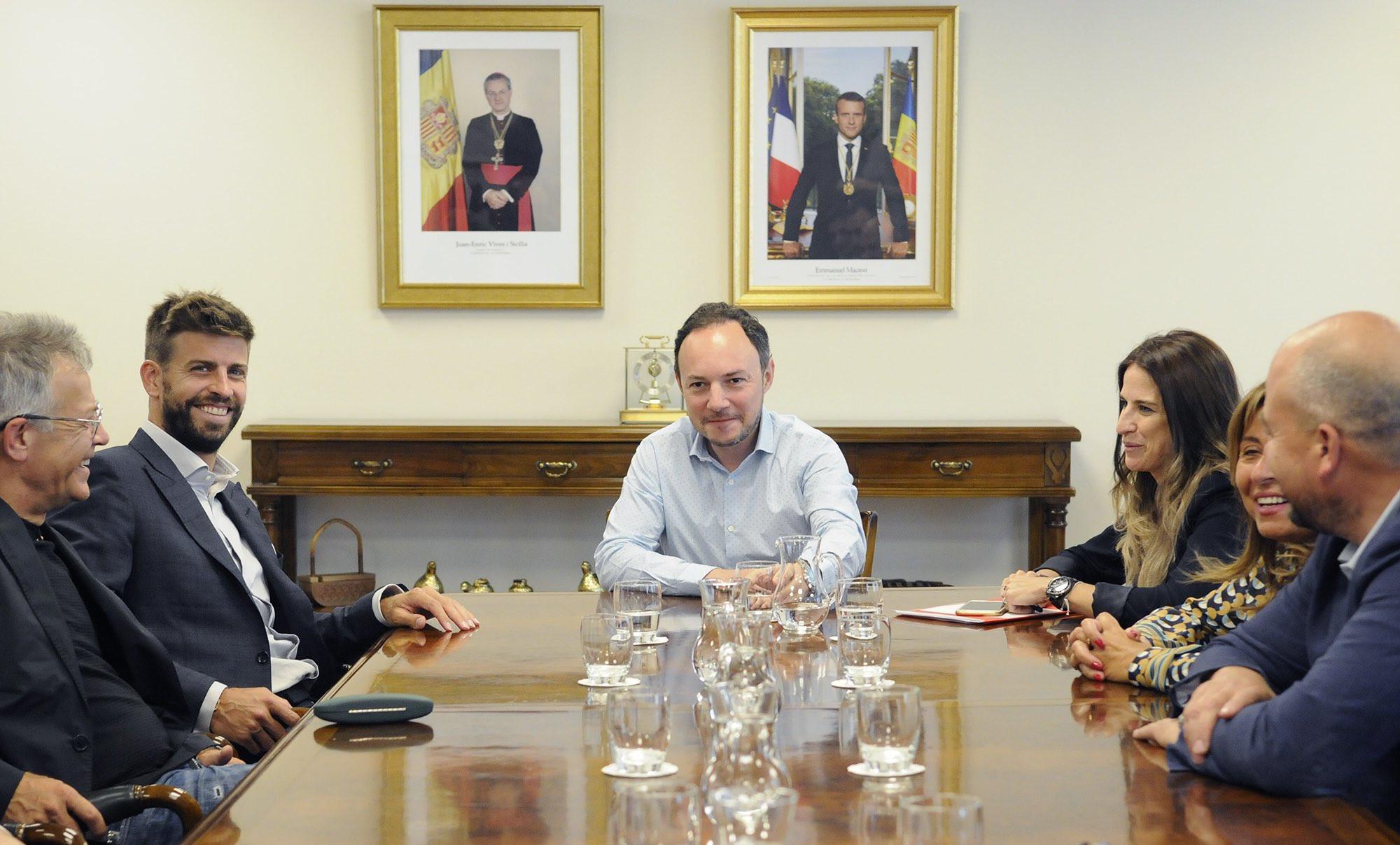 Gerard Piqué es reuneix amb el Govern per explicar-los el projecte del FC Andorra